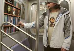Una biblioteca en el metro