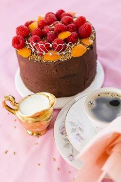 Suklaakakku Panna Cotta, Cheesecake, Ethnic Recipes, Desserts, Food, Tailgate Desserts, Dulce De Leche, Deserts, Cheesecakes