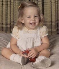 The ORIGINAL photo of little Lisa Marie Presley.