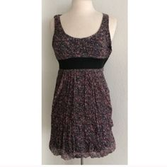 """Zara dress Zara floral dress. Size S. This dress is lightweight and has a little bit of stretch to it. Side zipper. Measures 33"""" long with a 34"""" bust. Material tag has been cut off, but this is very soft! Dress is lined. No trades. Poshmark onlyPrice is firm unless bundled Zara Dresses"""