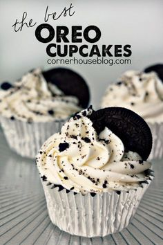 The Best Oreo Cupcakes! Easy Oreo Dessert Recipe - always my favorite treat! The Best Oreo Cupcakes! Easy Oreo Dessert Recipe - always my favorite treat! Oreo Dessert Easy, Oreo Dessert Recipes, Delicious Desserts, Yummy Food, Homemade Cupcake Recipes, Dessert Cups, Cupcake Flavors, Best Easy Cupcake Recipe, Summer Cupcake Recipes