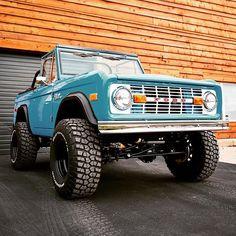 I like this ford bronco to Cruz in Pickup Auto, Old Pickup Trucks, Lifted Ford Trucks, Gmc Trucks, Diesel Trucks, Pickup Camper, Truck Camper, Chevrolet Trucks, Chevrolet Impala