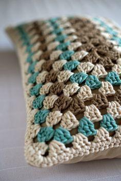 15 Ideas Crochet Rug Patterns Color Combos For 2019 – Granny Square Crochet Bookmark Pattern, Crochet Motifs, Crochet Bookmarks, Crochet Quilt, Granny Square Crochet Pattern, Crochet Pillow, Crochet Stitches Patterns, Crochet Squares, Love Crochet