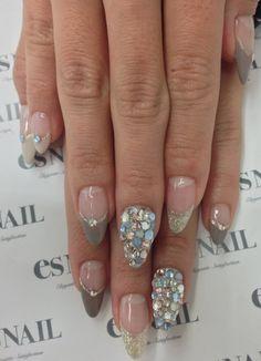 Glitter nails!! Want!