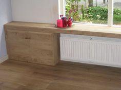 Vensterbank van steigerhout. zelfde kleur als vloer, beetje dikke vensterbank = mooi