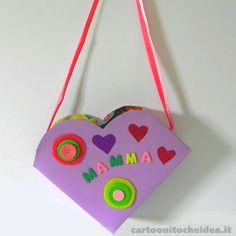 Per riporre riviste o dolci pensieri... Una borsetta simile è sempre utile, specialmente quando la si regala con il cuore!