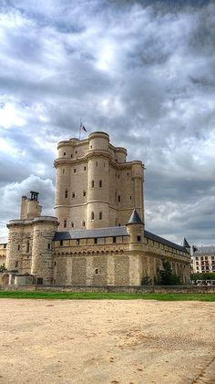 Chateau de Vincennes; last stop on the Metro line, and 2 stops away from where my Aunt and Uncle used to live.