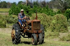 Old farmer, Old tractor...Charming