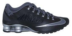 TECNOLOGÍA NIKE SHOX Las columnas de Nike Shox se hunden hacia el centro en lugar de hacia los lados del talón para controlar el impacto del pie y ayudar a impulsar la pisada. Nike Shox es lo último en amortiguación reactiva. ENCUÉNTRALOS EN TODAS NUESTRAS TIENDAS Y PÁGINA WEB:  WWW.IMPERIALSHOP.CO