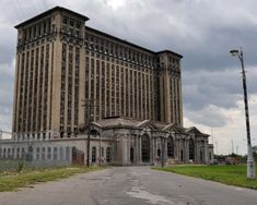 abandoned buildings in detroit - Bing Images