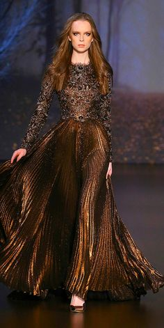 Crush of the Week: Ralph & Russo Autumn/Winter Couture Collection — Très Haute Diva Fashion Mode, Fashion Over 40, Fashion Week, Couture Fashion, Runway Fashion, Emo Fashion, Elegant Dresses, Nice Dresses, Ralph & Russo