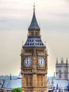 London...thinking of doing a London/ Scotland extravaganza this fall... Hmmmmm I think yes!