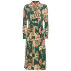 Gucci Printed Crêpe Silk Midi Dress (204.210 RUB) ❤ liked on Polyvore featuring dresses, gucci, day dresses, green, midi dress, green crepe dress, silk crepe dress, green silk dress and silk dress