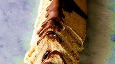……'n spesiale bederf. x sagte botter 5 x el strooisuiker 2 x koppies gladde roomkaas 2 x eiers 18 x tenniskoekies halwe boksie rooi en halwe boksie groen glans kersies (stukk… Tart Recipes, Sweet Recipes, Baking Recipes, Dessert Recipes, Cheesecake Recipes, Kos, No Bake Chocolate Cake, Ma Baker, Peppermint Crisp