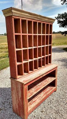 Pallet is just like mobile homes because they are extremely affordable and have potential.One can create anything out of Pallet within reasonable price. Wooden Pallet Projects, Wooden Pallet Furniture, Pallet Crafts, Wooden Pallets, Wooden Diy, Pallet Ideas, Pallet Wood, Furniture Projects, Diy Furniture