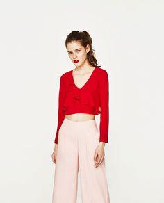 Rompe las reglas: rosa y rojo el mix de la temporada