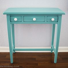 Table Makeover using Annie Sloan Chalk Paint in Provence | Tutorial with step by step breakdown for beginners! There is NO need to be intimidated by this medium any longer. Trust me! You are going to fall in love.