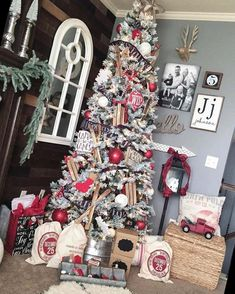 Decorating your home with farmhouse-inspired Christmas decor can be cozy, warm and timeless, especially during the holiday season.#Christmas #Crafts #Farmhouse-Inspired #Decorating Flocked Christmas Trees Decorated 20+ Warm And Cozy Farmhouse-Inspired Christmas Decorating Ideas | Christmas Crafts | 2020