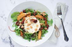 Salade met Warme Geitenkaas recept - de Kokende Zussen Starters, Cobb Salad, Veggies, Pasta, Lunch, Breakfast, Ethnic Recipes, Food, Diners