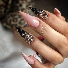 30 Great Stiletto Nail Art Design Ideas - The most beautiful nail designs Sexy Nails, Fancy Nails, Bling Nails, Love Nails, Acrylic Nail Designs, Nail Art Designs, Acrylic Nails, Nail Crystal Designs, Matte Nails