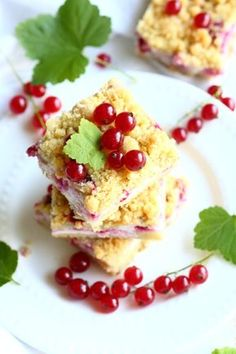 Parhaat punaherukkaleivonnaiset - plus 1 - Suklaapossu Brunch Menu, Sweet Pastries, Sweet Cakes, Desert Recipes, Yams, Blondies, Cooking Tips, Sweet Treats, Deserts