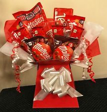 Malteser Chocolate Bouquet - Malteasers - Luxury Chocolate Gift - Spe Occasion - Valentine's Day - B Food Bouquet, Bouquet Box, Diy Bouquet, Candy Bouquet, Chocolate Hampers, Chocolate Gifts, Chocolate Tree, Chocolate Flowers, Sweet Hampers