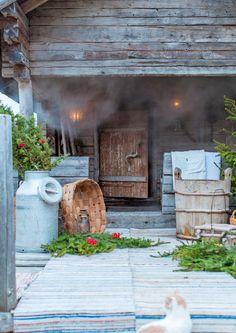 Finnish sauna and summer Outdoor Sauna, Outdoor Decor, Jacuzzi Bathroom, Spa Tub, Sauna Design, Finnish Sauna, Forest House, Summer Kitchen, Home Spa