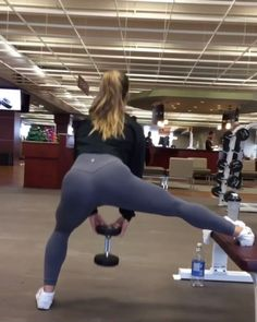 """2,262 Likes, 15 Comments - Workout Videos (@gymgirlvids) on Instagram: """"Vid by: @abiromanfit The homie went straight up! Umm... Savage! On this leg & booty killa Them…"""""""