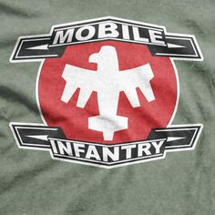 Starship Troopers Movie - Mobile Infantry Sci-Fi T-shirt Jojo Movies, Anubis Tattoo, Starship Troopers, Love Film, Fantasy Images, Movie Props, Vinyl Shirts, Geek Out, Science Fiction