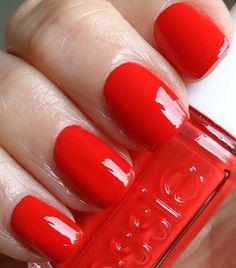 Essie red: Fifth Avenue