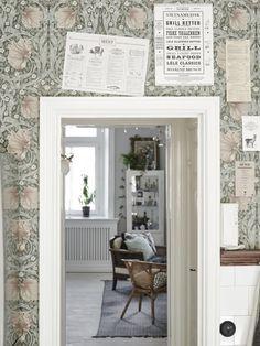 William Morris Pimpernel wallpaper in Bay Leaf/Manilla William Morris Wallpaper, William Morris Tapet, Morris Wallpapers, Painting Wallpaper, Of Wallpaper, Swedish Wallpaper, Beautiful Wallpaper, Menu Bar, Swedish Kitchen