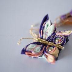 【定形外送料無料】「蝶」 / つまみ細工の帯飾り