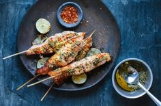 18 Diabetic-Friendly Comfort Food Recipes to Satisfy Your Cravings Healthy Grilling, Grilling Recipes, Cooking Recipes, Healthy Recipes, Salmon Skewers, Marinated Salmon, Beetroot Burgers, Fried Chicken Burger, Spareribs
