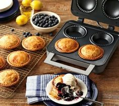 Mini Pie-Maker
