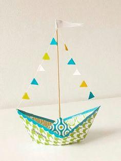 Ideen für Origami Boat Tutorial Diy - Origami Ideen für Origami Boat Tutorial Diy - Origami - how to fold a paper boat Mobil Origami, Origami Paper, Diy Paper, Paper Crafting, Boat Crafts, Diy And Crafts, Arts And Crafts, Origami Design, Origami Boot