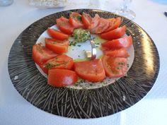 Tasty tomatoes with garlic @ Restaurant Batzoki Santurtzi!