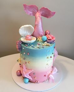 Like the tail and the clam shell Little Mermaid Cakes, Mermaid Birthday Cakes, Little Mermaid Birthday, Barbie Birthday Cake, Pretty Cakes, Cute Cakes, Sirenita Cake, Barbie Torte, Ocean Cakes