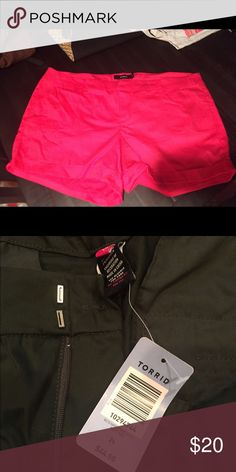 Torrid Cuffed Sateen shorts , brand new size 24 Comfort with style Torrid Shorts