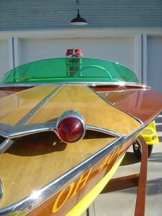 Outboard Boat Motors, Classic Wooden Boats, Classic Yachts, Boat Engine, Beyond The Sea, Float Your Boat, Old Boats, Speed Boats, Damon