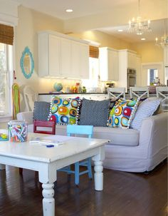 13 Kid-Friendly Living Room Ideas to Manage the Chaos