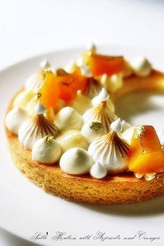 Sablé Breton with Apricots and Oranges