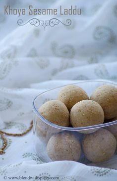 Indian Cuisine: Til Khoya Laddu Recipe - Sesame Seeds Mawa Ladoo Recipe - Makar Sankranti Recipes Dessert Recipes For Kids, No Cook Desserts, Healthy Dessert Recipes, Gourmet Recipes, Sweet Recipes, Indian Desserts, Indian Sweets, Indian Food Recipes, Eggless Baking