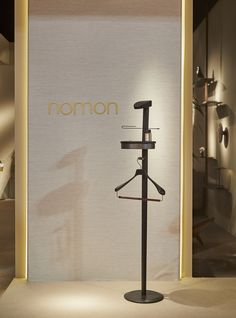GALAN/VALET STAND W Stained ash wood with graphite brass detail and Sahara Noir marble