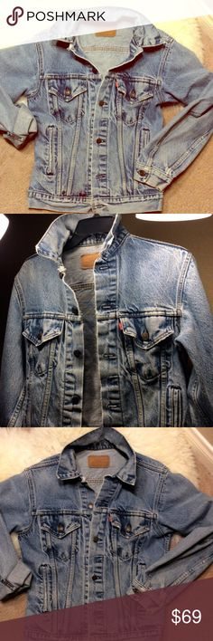 """Vtg 80s Levi 501 denim jean jacket True vtg Levi circa( before 86~ I looked it up ;) so worn and completely custom unique to every Levi's brand denim.  Gorgeous but one flaw, small ink (?) stain bottom right hem ~ just adds to its """"one of a kind"""" look!!!! A Must have in every girls closet ;). This one is a33L which I'm guessing would fit ladies M guys S.   I will measure precisely and post ( please remind me if I haven't and ur interested ) these sellout like crazy online and renewal places…"""