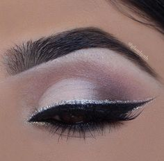 NYX NYX Related posts: Best Ideas Wedding Makeup Silver Simple Super Wedding Makeup Silver Eyeshadow Gold Ideas New Wedding Makeup Silver Urban Decay 67 Ideas Makeup Inspiration Skin Makeup, Makeup Eyeshadow, Makeup Brushes, Beauty Makeup, Homecoming Makeup, Prom Makeup, Wedding Makeup, Silber Make-up, Sweet 16 Makeup