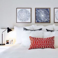 This is the bedroom of one lucky college student! Young but sophisticated vibe designed by @blytheinteriors. Did you know college students AND teachers get a discount when you shop at West Elm?! #westelm #westelmsd #sandiego #college #dorm #student #teacher #sale #pillows #bedding #art #interiors #bedrooms