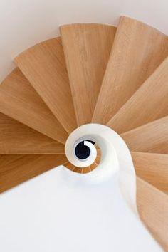 Chteau de la Resle, Montigny-la-Resle, 2005 #staircase