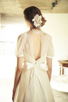 Cli'Omariage dress 結婚情報。ザ・ウエディングは式場からウエディングドレス、指輪などの結婚準備に関する情報をはじめ、結婚に関する情報を網羅した結婚総合情報サイトです。