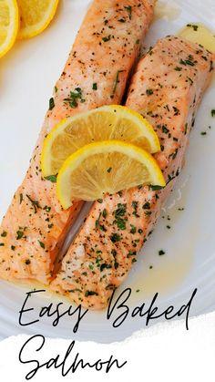 Salmon Fillet Recipes Oven, Oven Cooked Salmon, Salmon Steak Recipes, Cooking Salmon, Fish Recipes, Simple Baked Salmon, Baked Salmon Lemon, Bake Frozen Salmon, Avocado Salat