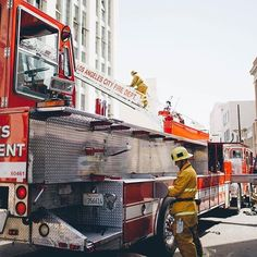 FEATURED POST @joinlafd - . . TAG A FRIEND! http://ift.tt/2aftxS9 . Facebook- chiefmiller1 Periscope -chief_miller Tumbr- chief-miller Twitter - chief_miller YouTube- chief miller Use #chiefmiller in your post! . #firetruck #firedepartment #fireman #firefighters #ems #kcco #flashover #firefighting #paramedic #firehouse #firstresponders #firedept #feuerwehr #crossfit #brandweer #pompier #medic #firerescue #ambulance #emergency #bomberos #Feuerwehrmann #firefighters #firefighter #chiver #